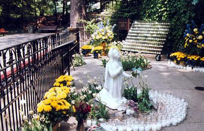 Notre Dames Grotto 70